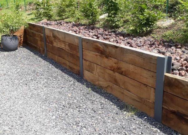 mur avec traverses chêne